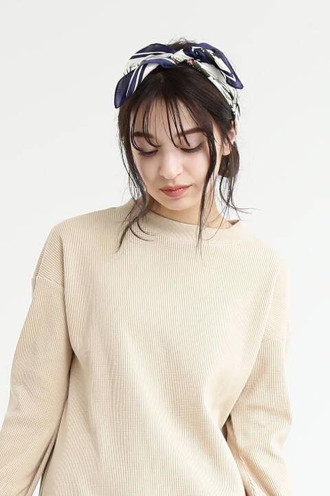 《Emma着用》フラワースカーフ