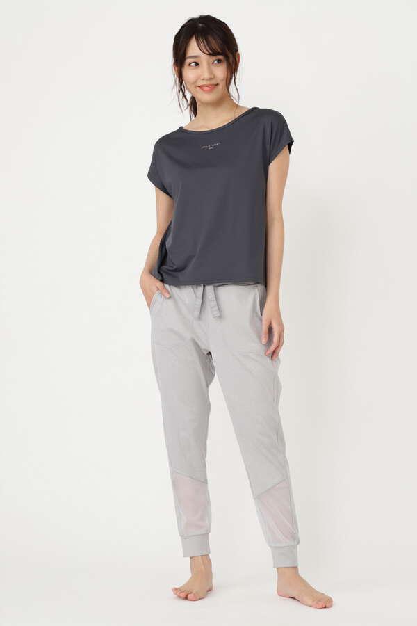 《JILLSTUART Yoga》無地ロゴTシャツ