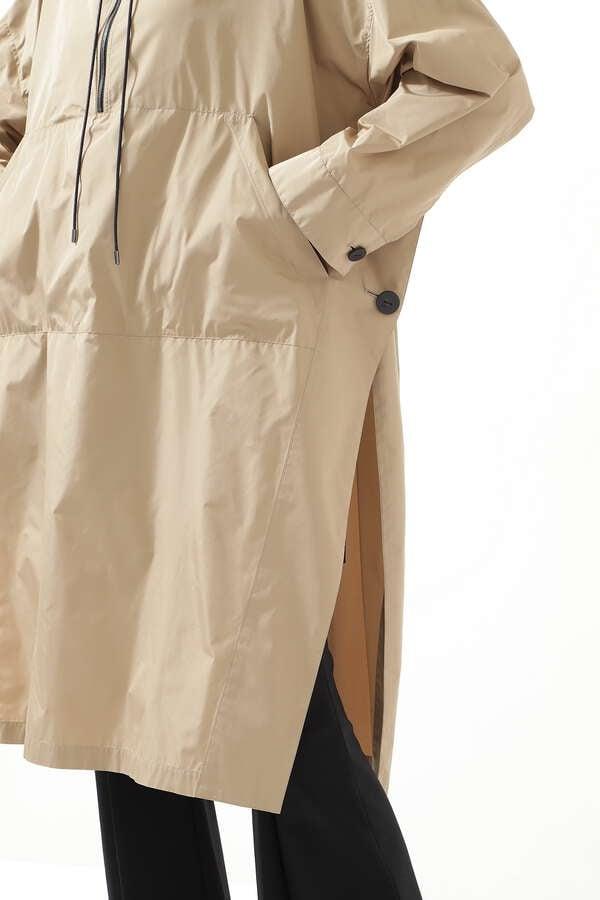 テックライトブラウス