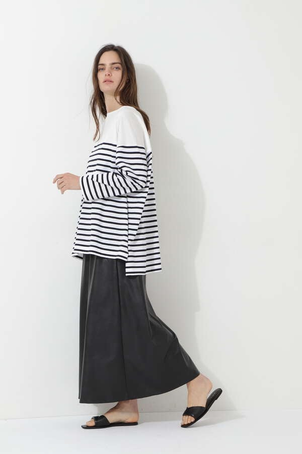 ウォッシャブルフェイクレザースカート