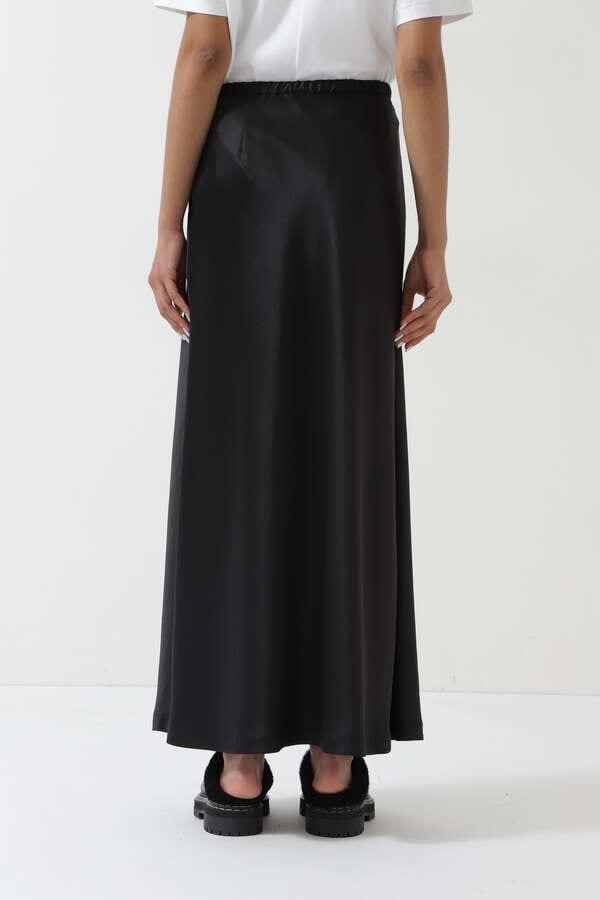 クラシックサテンスカート