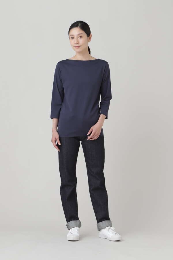 WOMEN'S Q82 BOAT NECK