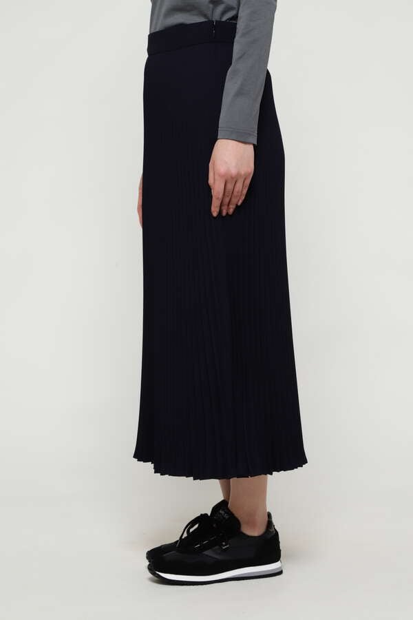 WOMEN'S PLEATED POLYESTER