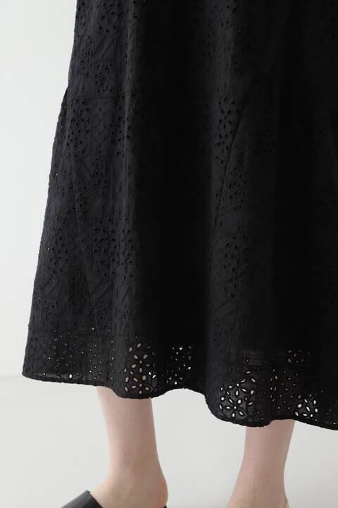 幾何アイレット刺繍ワンピース