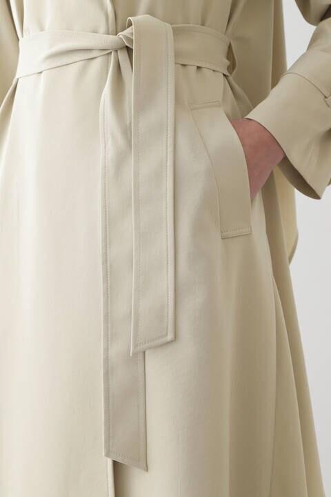 バックドレープコート