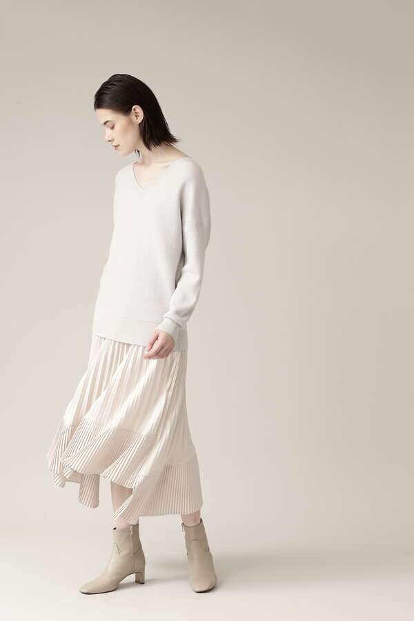 アシンメトリープリーツスカート