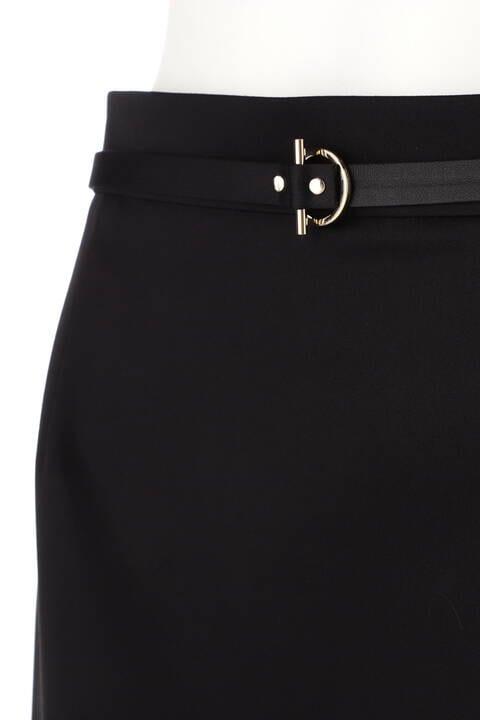 Tバーベルト付きタイトスカート
