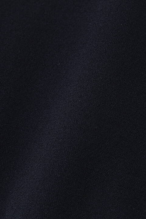 メタル釦付きクルーネックカーデ