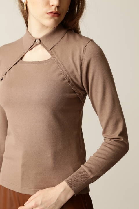 襟付きデコルテカットニットトップス