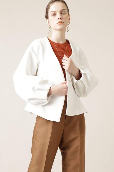 Vノーカラーサイドフレアージャケット