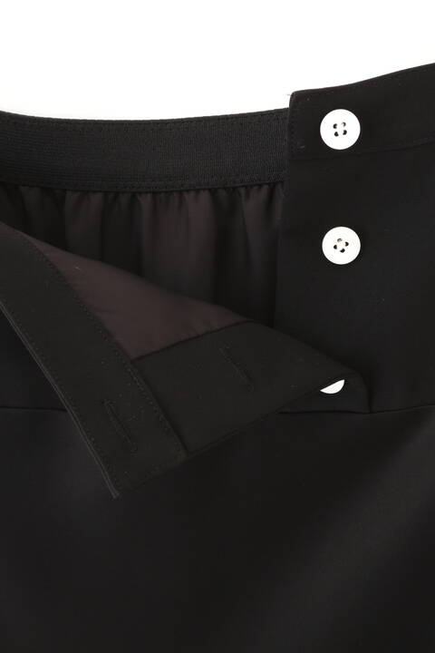 サテンフレアースカート