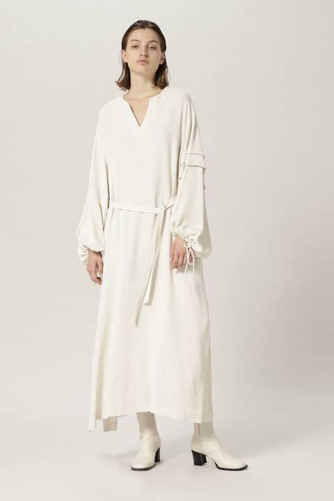 ギャザースリーブドレス