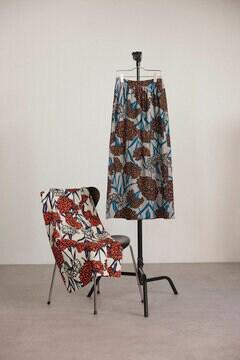 【先行予約 5月下旬-6月上旬入荷予定】フラワープリントロングスカート