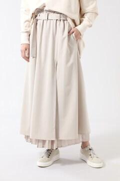 プリーツレイヤードベルテッドスカート