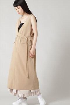 ヨークレイヤードベルテッドVネックドレス