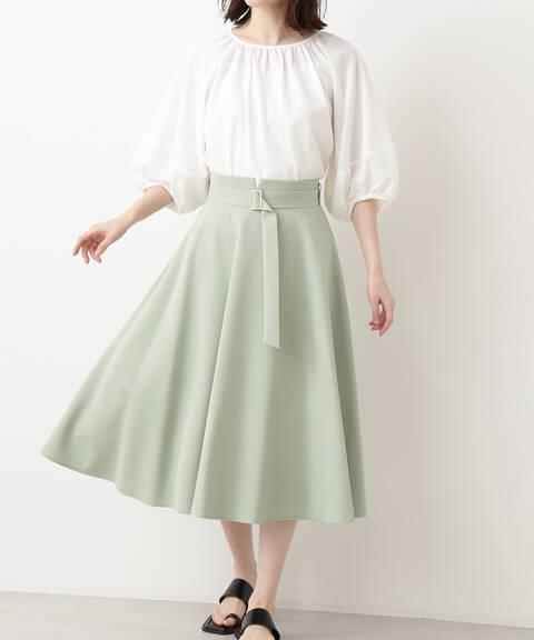 ゴールドバックルフレアスカート