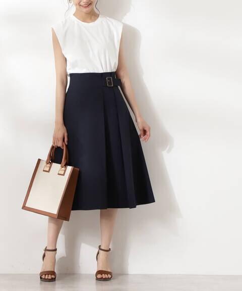バックル付セミフレアスカート
