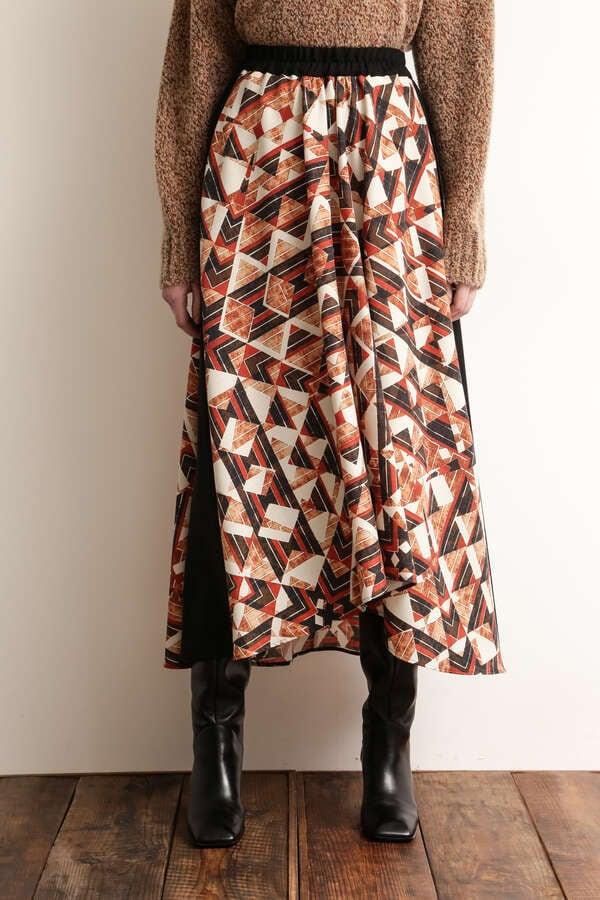 プリンテッドフレアスカート