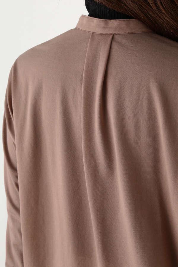 バックスリットシャツ