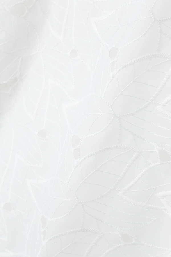 フラワー刺繍ブラウス