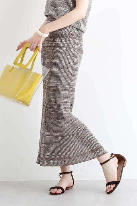 透かし柄引き揃えニットスカート
