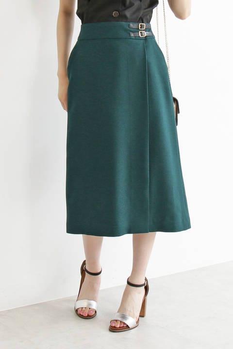 ベルトマークラップ風スカート
