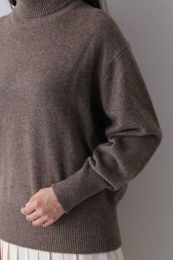 CASHMERE KNIT TURTLENECK P/O10