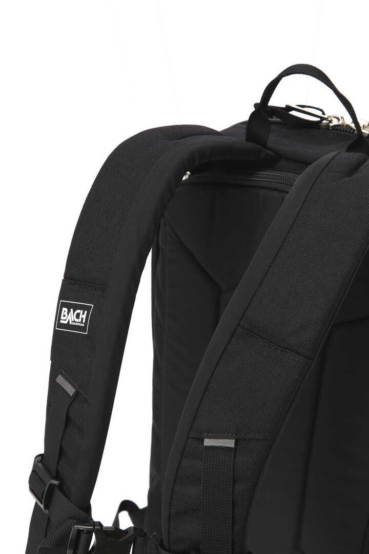 BACH / DICE 157