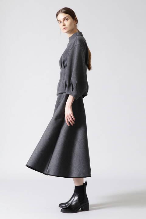 ステッチボンディングスカート