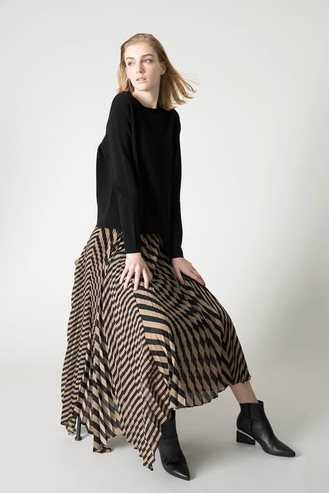 プリーツヘリンボーンフレアースカート