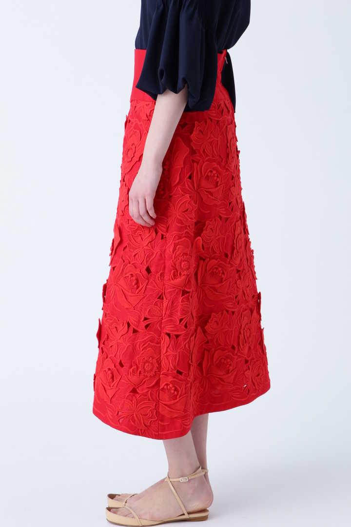 《BLACK LABEL》フラワーエンブロイダリースカート
