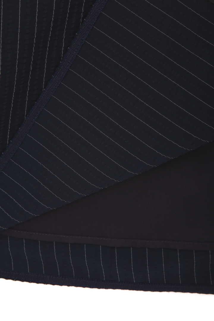 サッカーストライプスカート