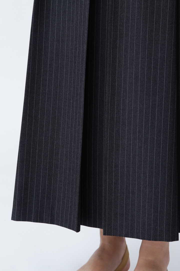 ヘリンボーンストライプスカート
