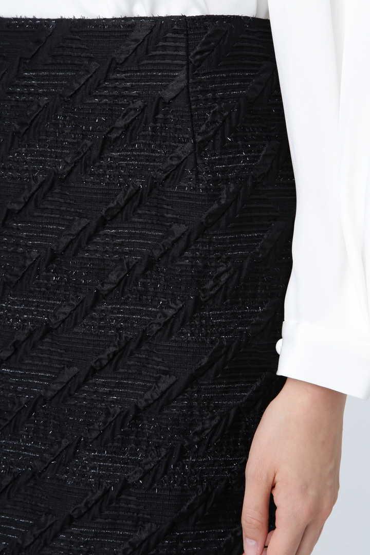 《BLACK LABEL》ラメフローティングジャガードタイトスカート