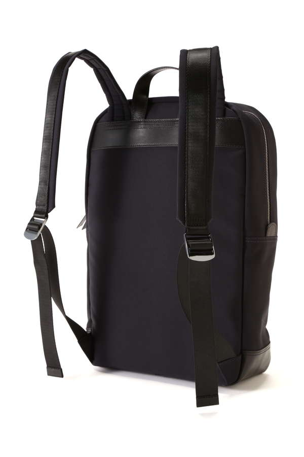 MEN'S ZIP BACKPACK