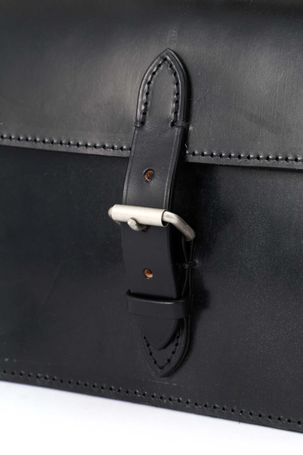 BRIDLE LEATHER SHOULDER BAG5