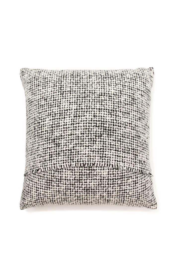MT MENDED TWEED CUSHION2