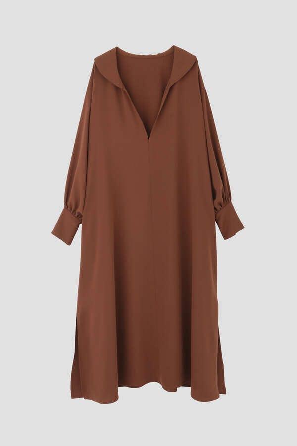 襟付きロングワンピース