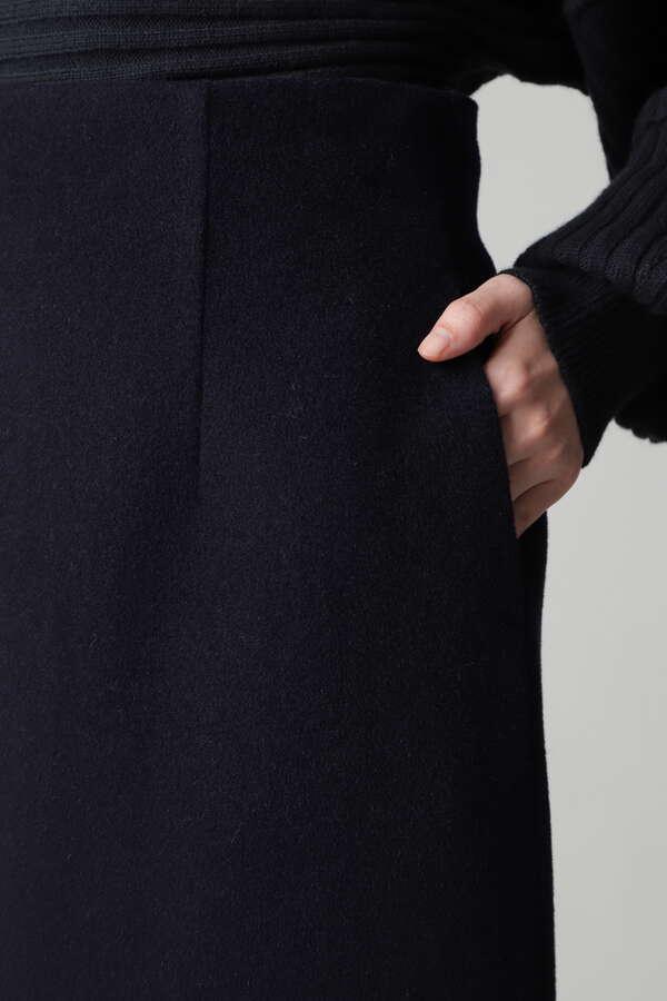 シンプルミディスカート