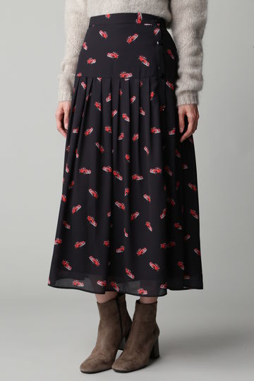 Unaca noir クラシックカープリントスカート