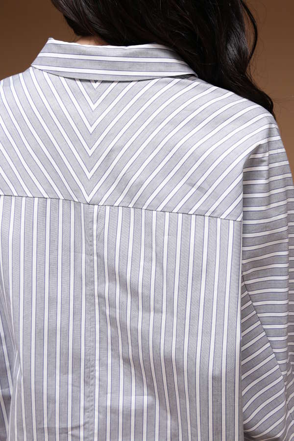 Unaca noir 先染めストライプシャツ
