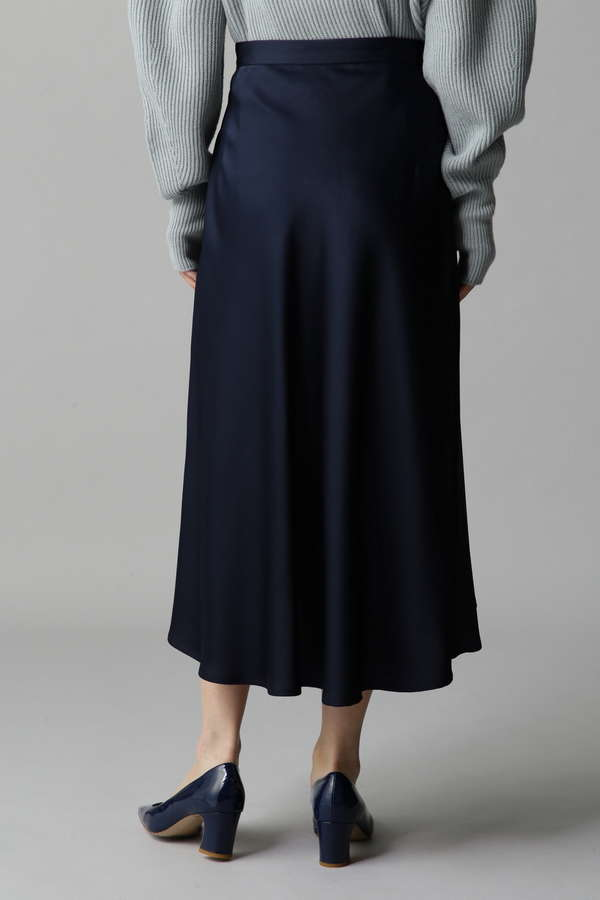 くるみ釦フレアースカート