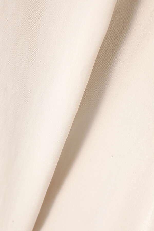 Vネックノースリーブブラウス
