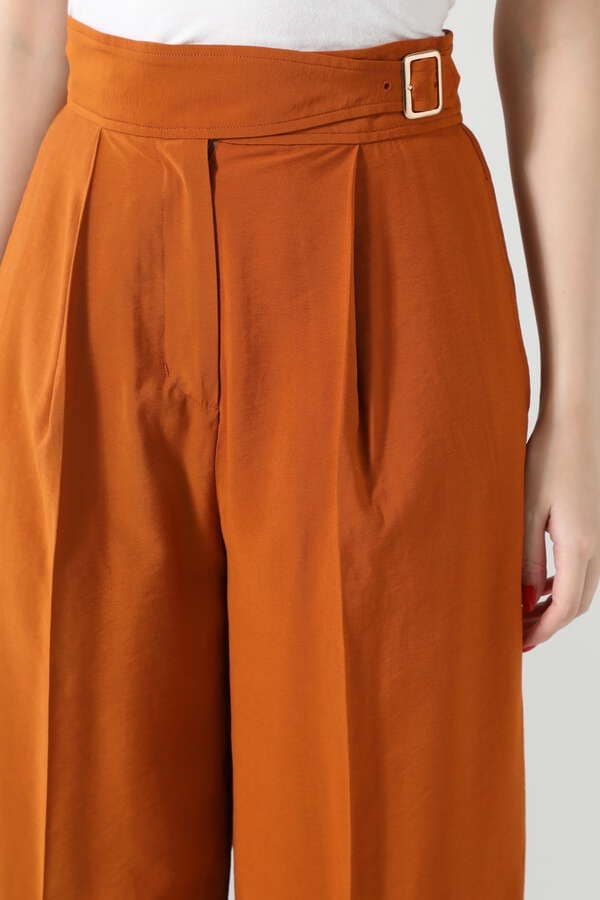 グルカ風パンツ