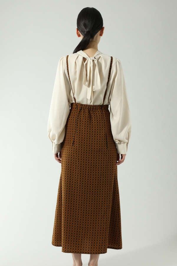 サスペンダーフレアスカート
