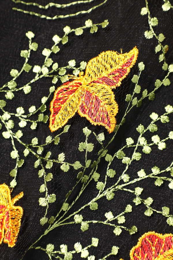 シースルー刺繍ブラウス