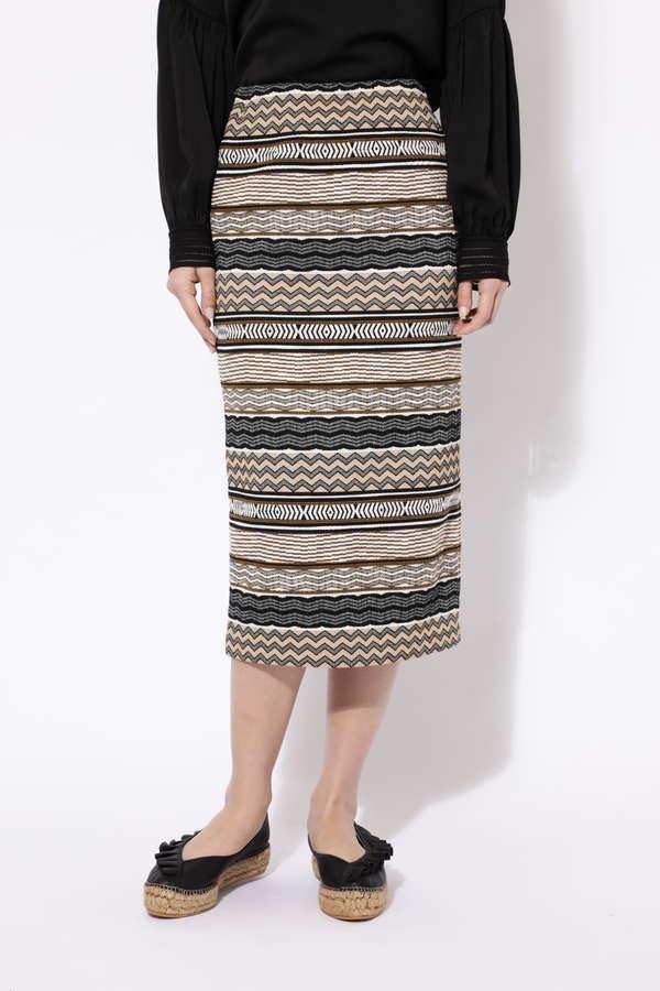 ジャガード柄スカート