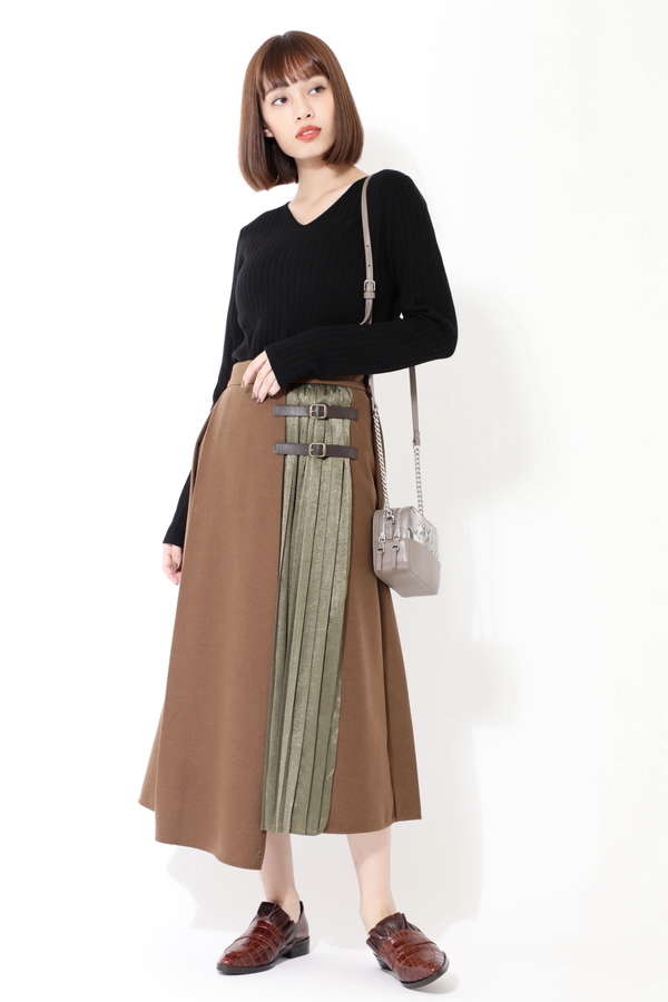 切り替えプリーツスカート