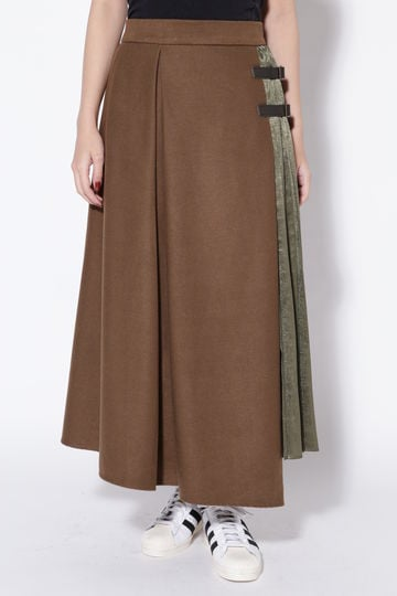 【先行予約 11月下旬-12月上旬入荷予定】異素材ベルト付きフレアスカート
