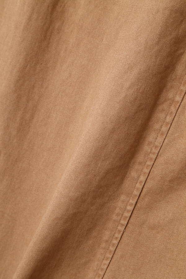 サスペンダー付きスカート